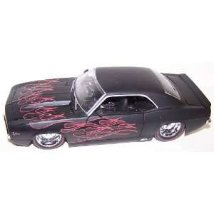 Jada Toys 1/24 Scale Diecast Big Time Muscle 1969 Chevy Camaro in