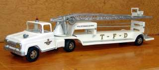 NO. 5 T.F.D. HYDRAULIC LADDER WHITE FIRE TRUCK HYDRAULIC REPAIR NEEDED