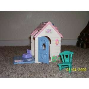 Fisher Price Sweet Streets Girls Club House 2002 Toys & Games