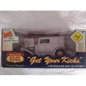 Route 66 1/24 Scale 1932 Ford Sedan Delivery Toys & Games